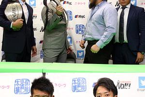 不満直言の拳王に潮崎が「子供じみてる」 大原と原田は「ノアJr史上最高の試合」で一致 1・21大阪2大GHC戦へ調印式