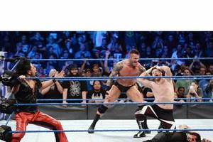中邑がオートン救出、PPV大会『クラッシュ・オブ・チャンピオン』でオーエンズ&ゼインと対戦決定