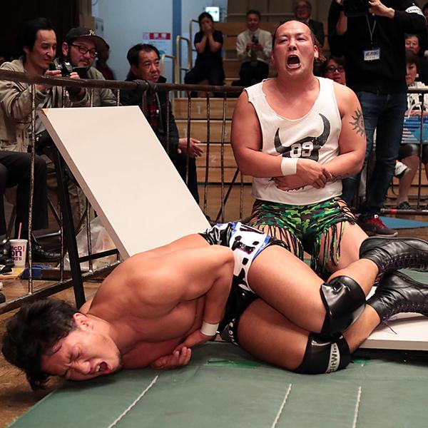 5・4後楽園での「原田vsHi69」ハードコアマッチが決定 博多GHCジュニア戦へHi69の土俵で前哨戦