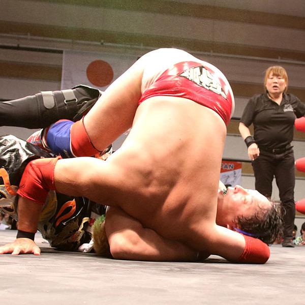 元WWE対決実現 TAJIRIがテイオーとの技巧戦を制す