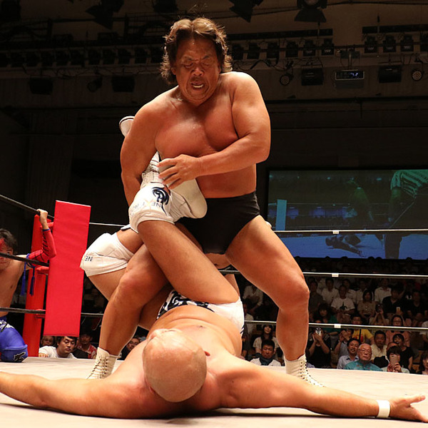 長州が初対決・秋山に敗北、来年引退を示唆