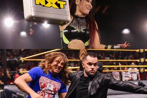 イオがミアとの女子ウォーゲームズ前哨戦制す、リドルがベイラー襲撃で『NXTテイクオーバー:ウォーゲームズ』での一騎打ち決定
