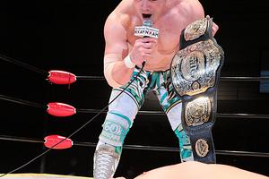 最終前哨戦で意地の試合後KO 王者・潮崎が「最強の外敵」藤田に「I am NOAH!」