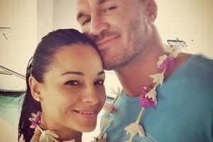 ペイジ、バティスタ、オートン…次はシナ&ニッキー?WWEスーパースターの結婚ラッシュ
