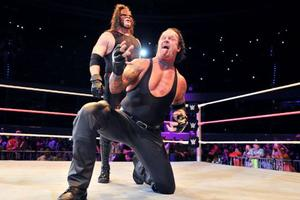 破壊兄弟復活…WWEのメキシコツアーはどうだった?