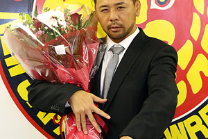 いよいよ中邑壮行試合!不満を語った稔、マイクを持たなかった小島etc……。「新日本プロレス・円満退団&移籍選手特集」!